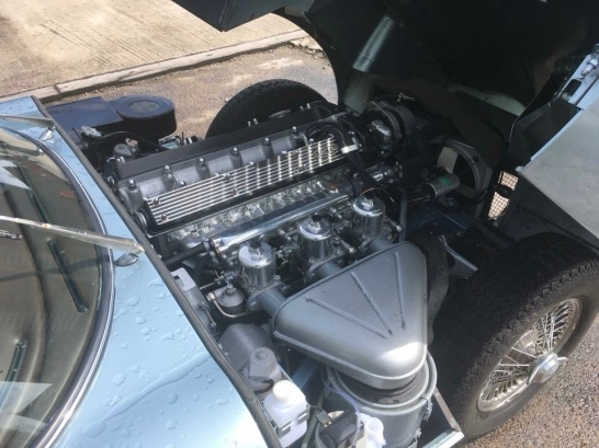 The 4.2 S6 engine under the bonnet